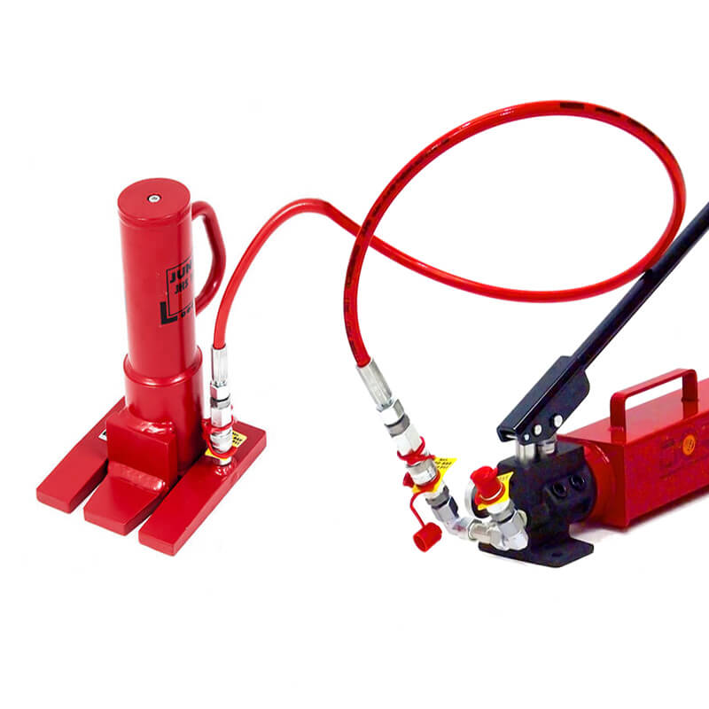 See our selection of toe jacks to be operated in confined spaces.